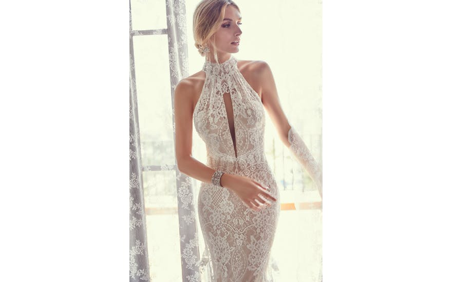 Beach Wedding Dresses: Amazing Gowns For Your Destination