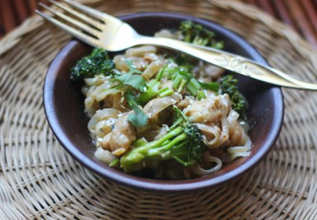 Shirataki noodles with Peanut Sauce