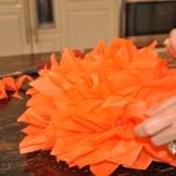 how to make tissue paper pompoms