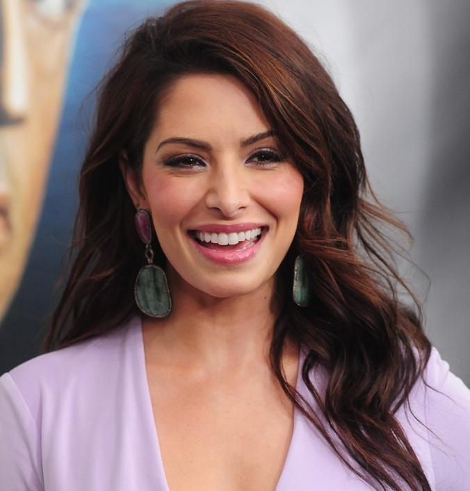 sarah-shahi-premiere-bullet-to-the-head-02