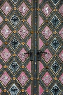 Двери базилики.