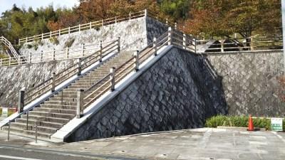 八幡山公園駐車場