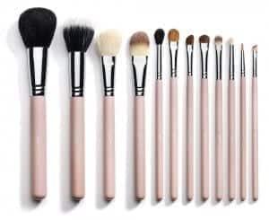 Make-up čopiči vam lahko delo zelo olajšajo