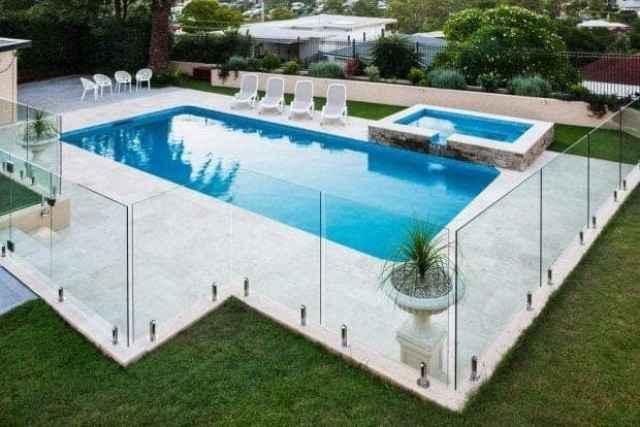 steklena ograja cena bazen
