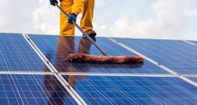 čiščenje solarnih panelov