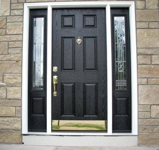 hiša-vhodna-vrata-cena-ni-ključna