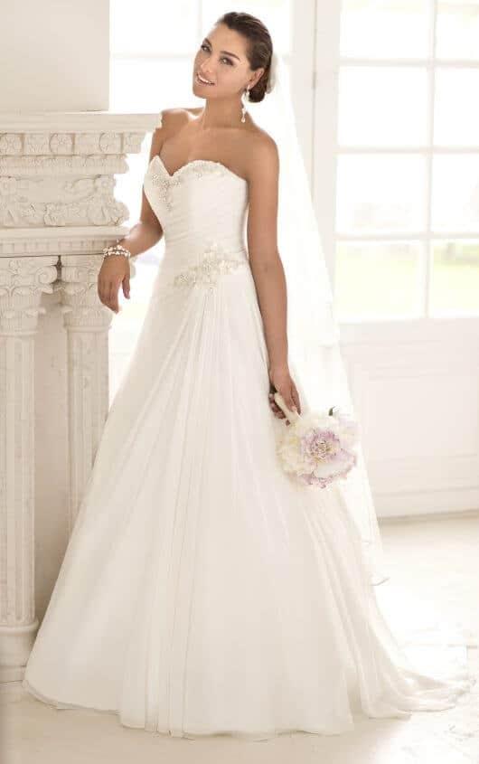 elegantna-sevčana-ženska-poročna-obleka