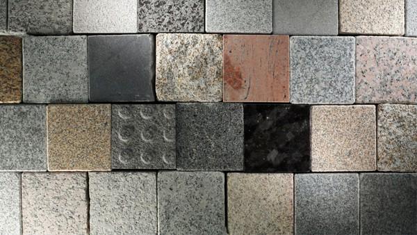 naraven-in-umetni-kamen-polaganje-cena