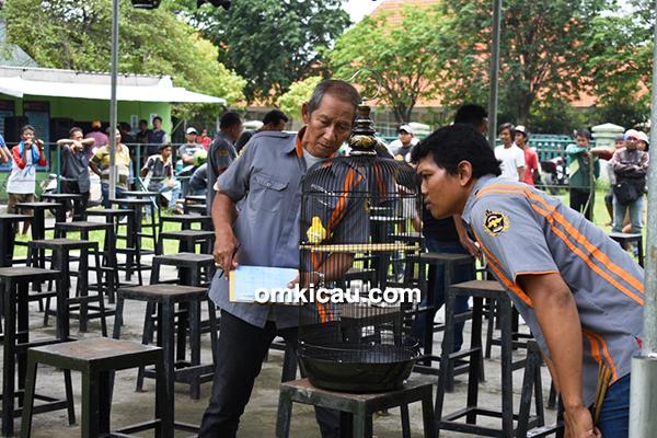 Latpres Putra Dewa Vaganza Surabaya