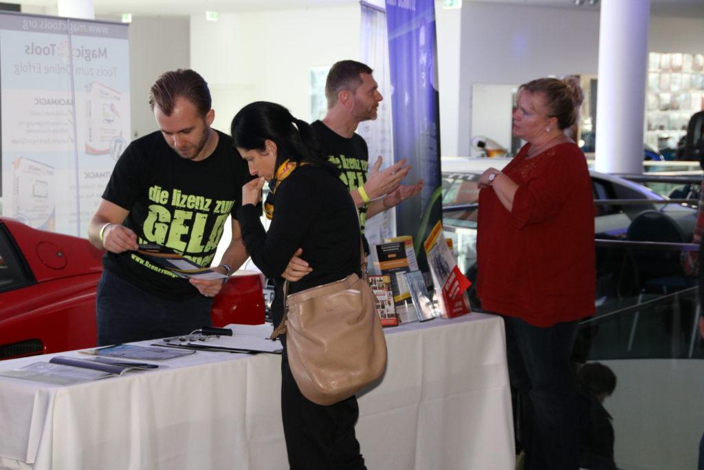 Jetzt gilt es: Viele Interessenten warten auf den Onlinemarketingkongress OMKO