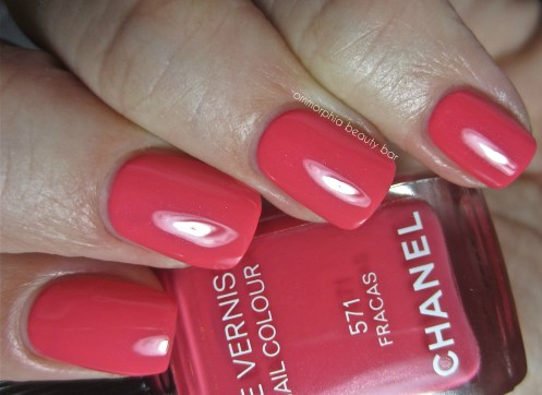 CHANEL Fracas swatch 2