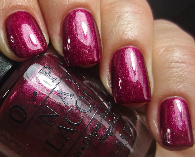 OPI Cute Little Vixen swatch 2