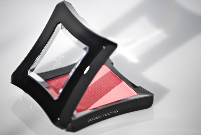 Illamasqua Hussy closer