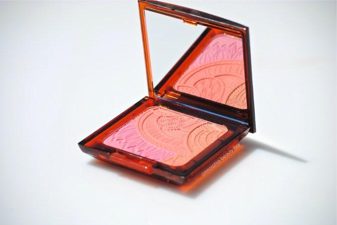 ARTDECO Bronzing Glow Blusher closer