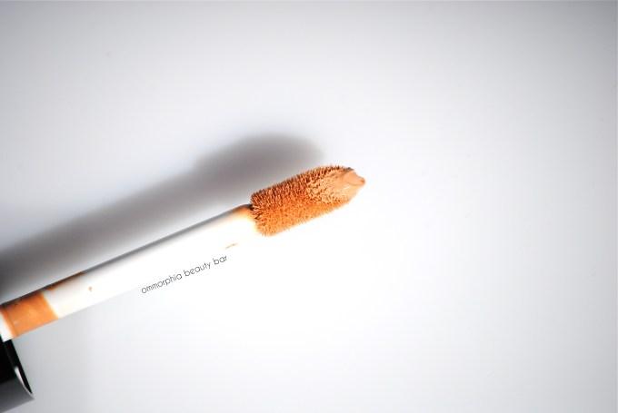 Dior Diorskin Star Concealer 002 brush