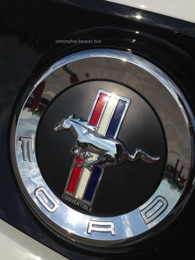 Ford Mustang symbol