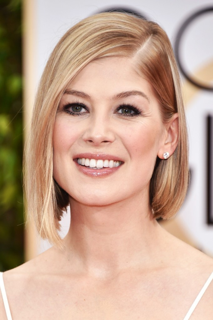 rosamund-pike-beauty-vogue-12jan15-pa_b