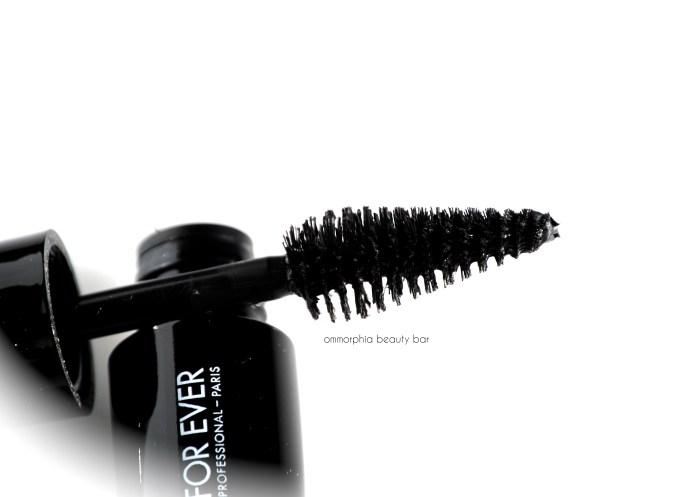 MUFE Give In To Me Smoky Extravagant mascara brush