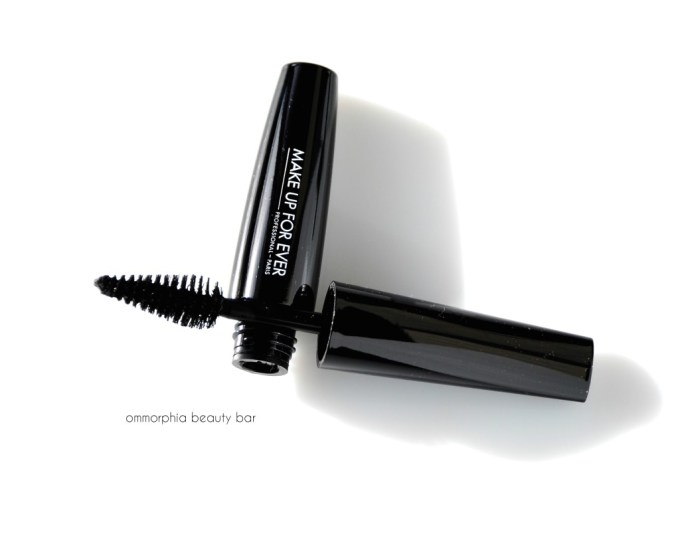 MUFE Give In To Me Smoky Extravagant mascara