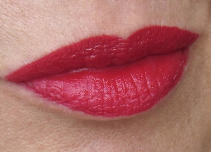 Burberry Kisses Military Red swatch 2
