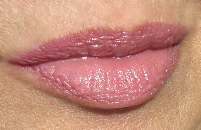 Burberry Kisses Rose Pink swatch 1