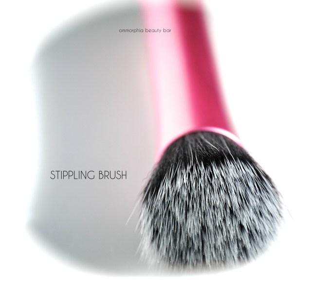 Real Techniques Stippling Brush macro