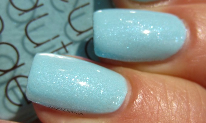 RBL Fan Collecton 3.0 Electro Glacier swatch macro