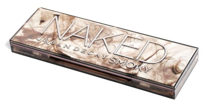 UD Naked Smoky closed 2