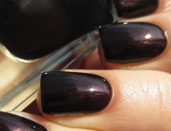 Guerlain Black Perfecto swatch detail