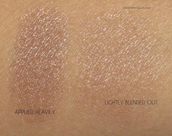Burberry Nude Gold Highlighting Palette swatches