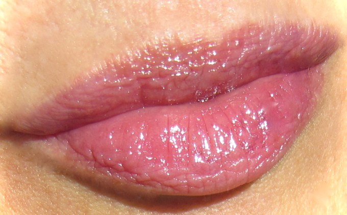 Guerlain Black Perfecto Lipstick swatch