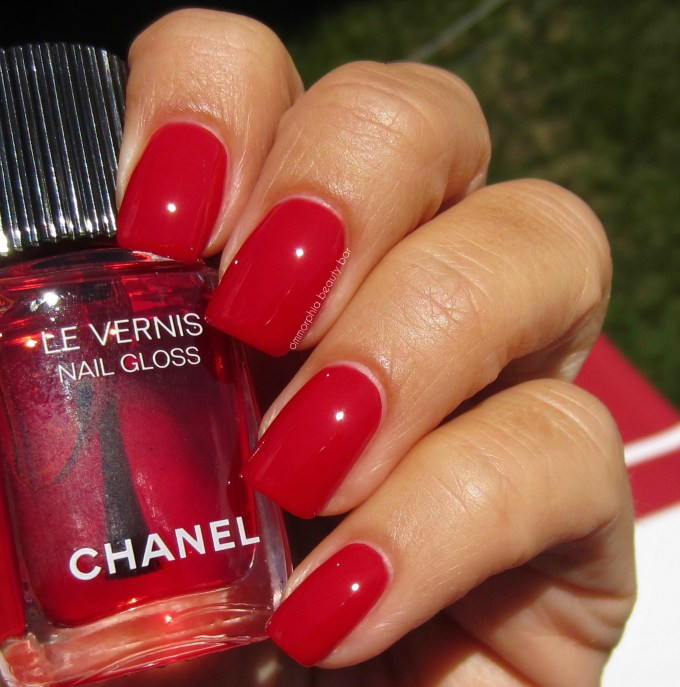 CHANEL Rouge Radical over Rouge Puissant swatch