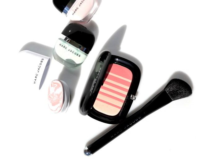 marc-jacobs-air-blush-brush-opener