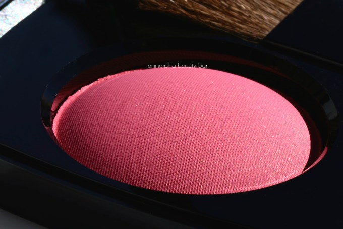 chanel-hyperfresh-blush-macro-2
