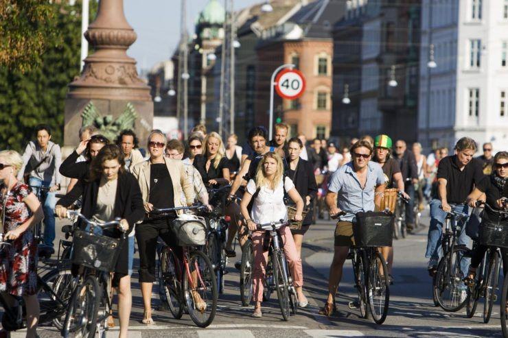 Амстердам велосипеды люди