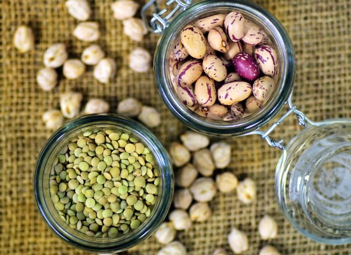legumineuses-bocaux-veganisme-proteines