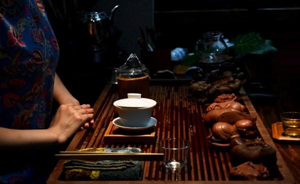 TEMPS_DE_THE_Chinese-tea-ceremony_David-Boté-Estrada_CC-BY-SA