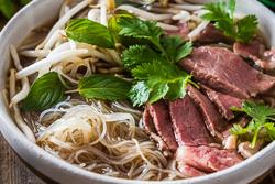 Easy Vietnamese pho noodle soup Cooking Process | omnivorescookbook.com
