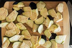 Northern Vegetable Stew with Pork in Hot Sauce Cooking Process | omnivorescookbook.com