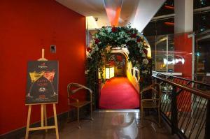 Espana Entrance - España Restaurant and Bar