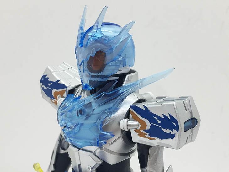 S.H.フィギュアーツ 仮面ライダークローズチャージ おもちゃライダー