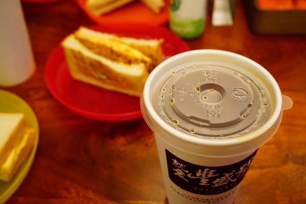 """【台北士林早午餐】豐盛號    炭烤吐司飄香""""超級紅的早午餐""""豐盛三明治"""