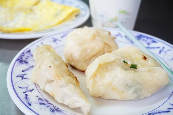 """【宜蘭羅東早午餐】崔記早點  *♥羅東火車站""""8元煎包煎餃""""傳統中式早餐"""