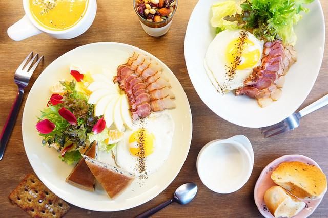 """【高雄前金早午餐】迪波波藝食館  *♥40年古早味甘蔗燻肉""""創意早午餐""""青醬麵線"""