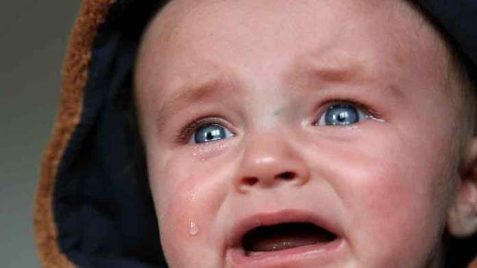 黄昏泣き(夕暮れ泣き)とは?いつからいつまでで原因や対策はあるの?