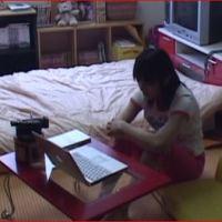 おもらし好きな女の子がおもらし動画を見ながらおもらしオナニー☆