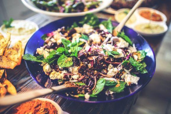 salad-healthy-diet-spinach-624x416
