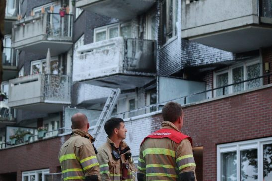 Grote brand in appartementencomplex in Stad