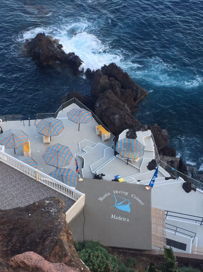 Blick auf die Basis von Manta Diving Madeira