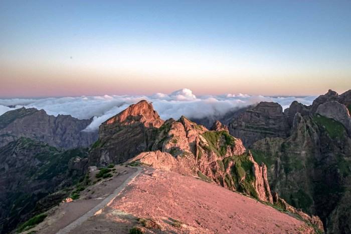 Sonenaufgang auf dem Pico do Arieiro auf Madeira